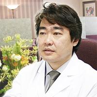志賀由章医師の画像